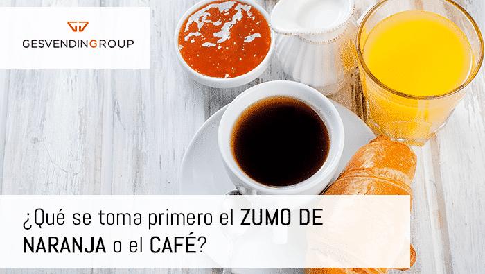 El orden correcto para evitar problemas estomacales es primero el zumo y luego el café.